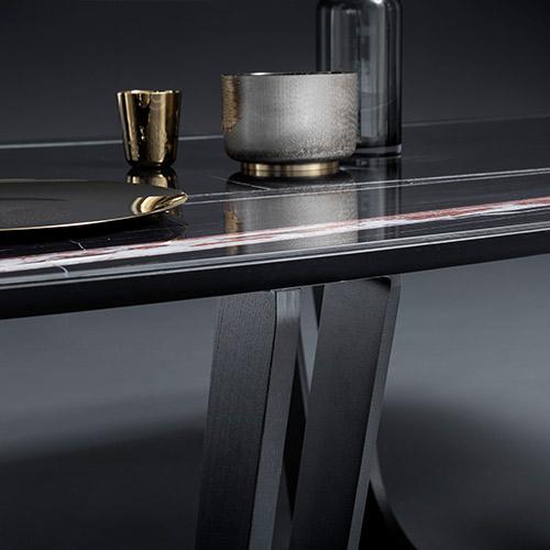 Devina Nais tavolo Cosmopolitan my glass attaccatura piano